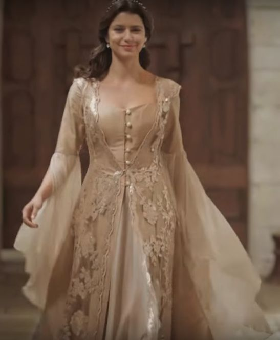 aca7a4e845b72 Pin by Evelyne Eve on LARP | Pinterest | Dresses, White outfits and  Medieval Dress