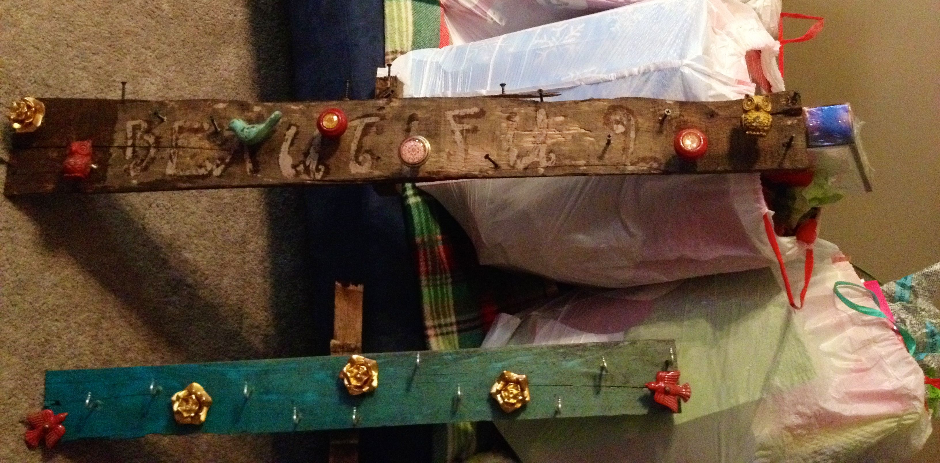 Pallet wood jewelry boards for organizing all your jewelry ...