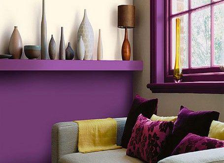 Déco salon peinture couleur prune canapé vases couleur nuances de ...