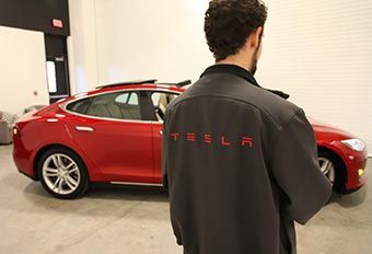 Brand experience showcasing the Model S Tesla electric car at the 2013 DxB conference.