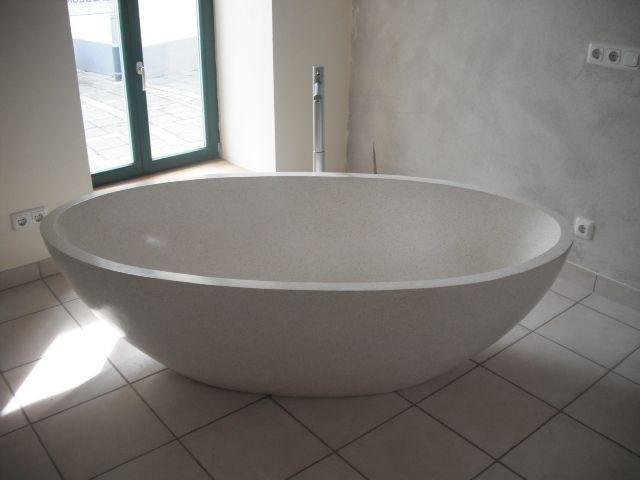 Freistehende Badewanne Terrazzo von Studio68 auf DaWanda