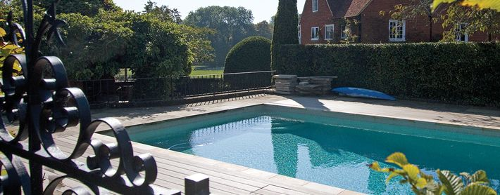This garden pool design truly is incredible! For more information about the decking, visit our website and order your free sample! https://www.timbertechuk.co.uk/decking-sample