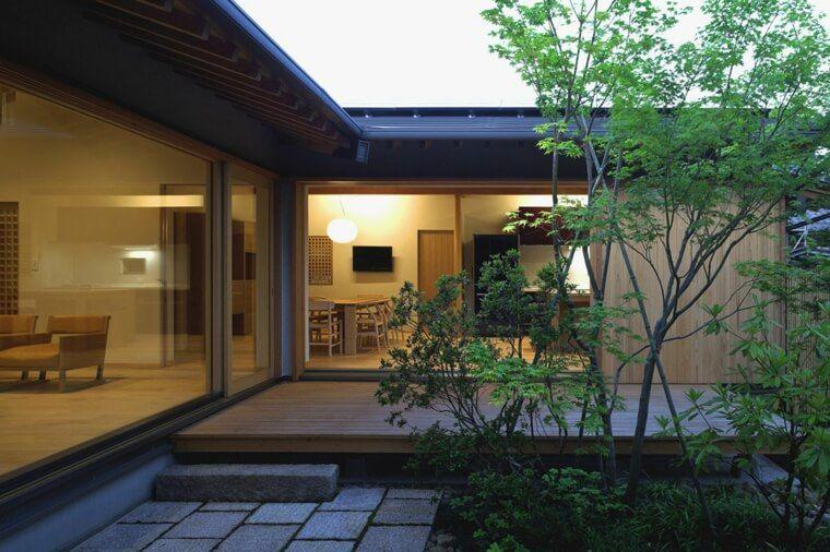 La Maison Traditionnelle Japonaise Nous Ouvre Ses Portes Maison Traditionnelle Japonaise Maison Traditionnelle Architecture Japonaise