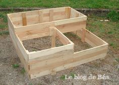 diy carr potager en bois de palette le blog de b a potager en bois carr potager et potager. Black Bedroom Furniture Sets. Home Design Ideas