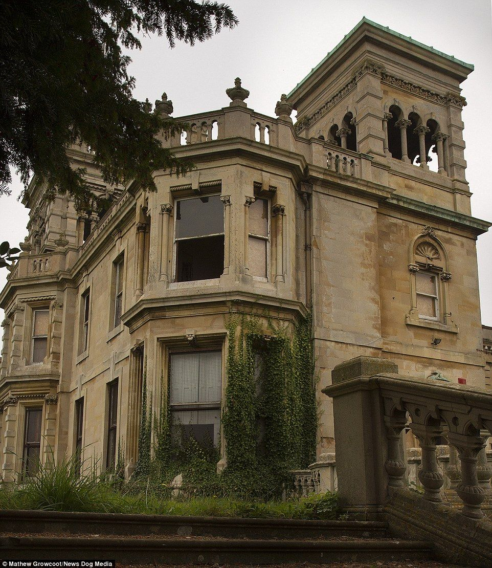 20 Glorious Old Mansion Bedrooms: For Sale: Overgrown 114-room 19th Century Mansion That