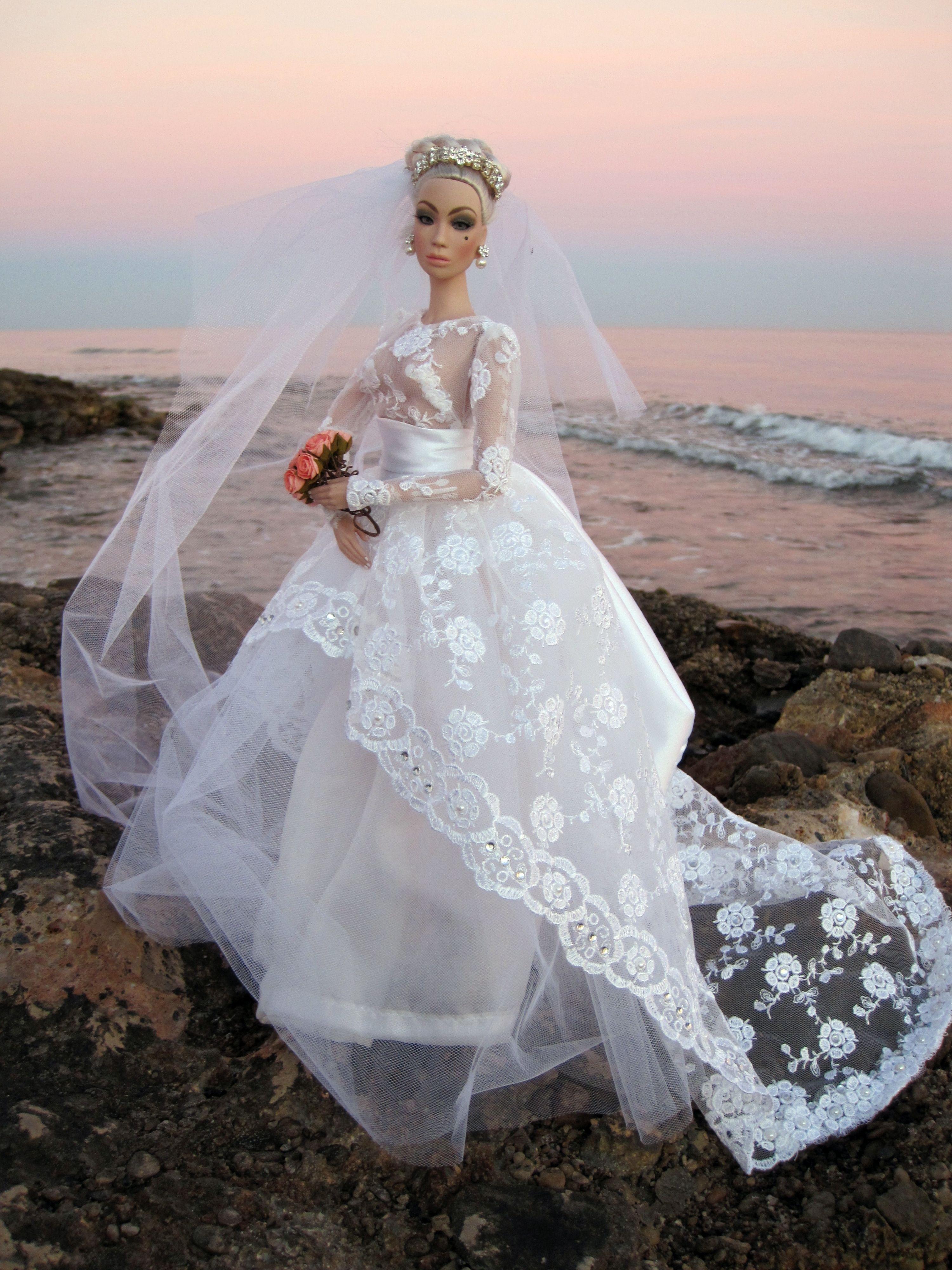 doll brides /aladol177/flickr / 177..17 qw  Doll wedding dress, Barbie