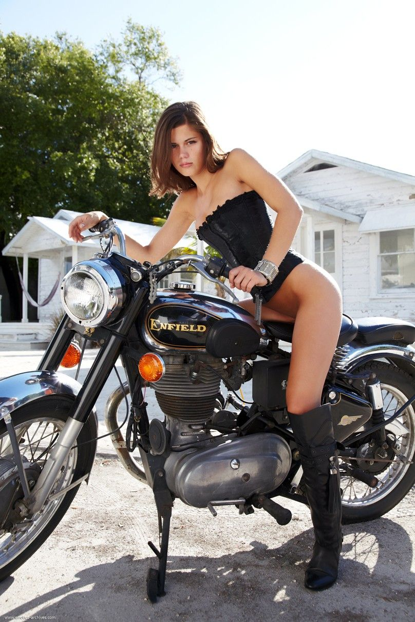 motorcycle Naked girl