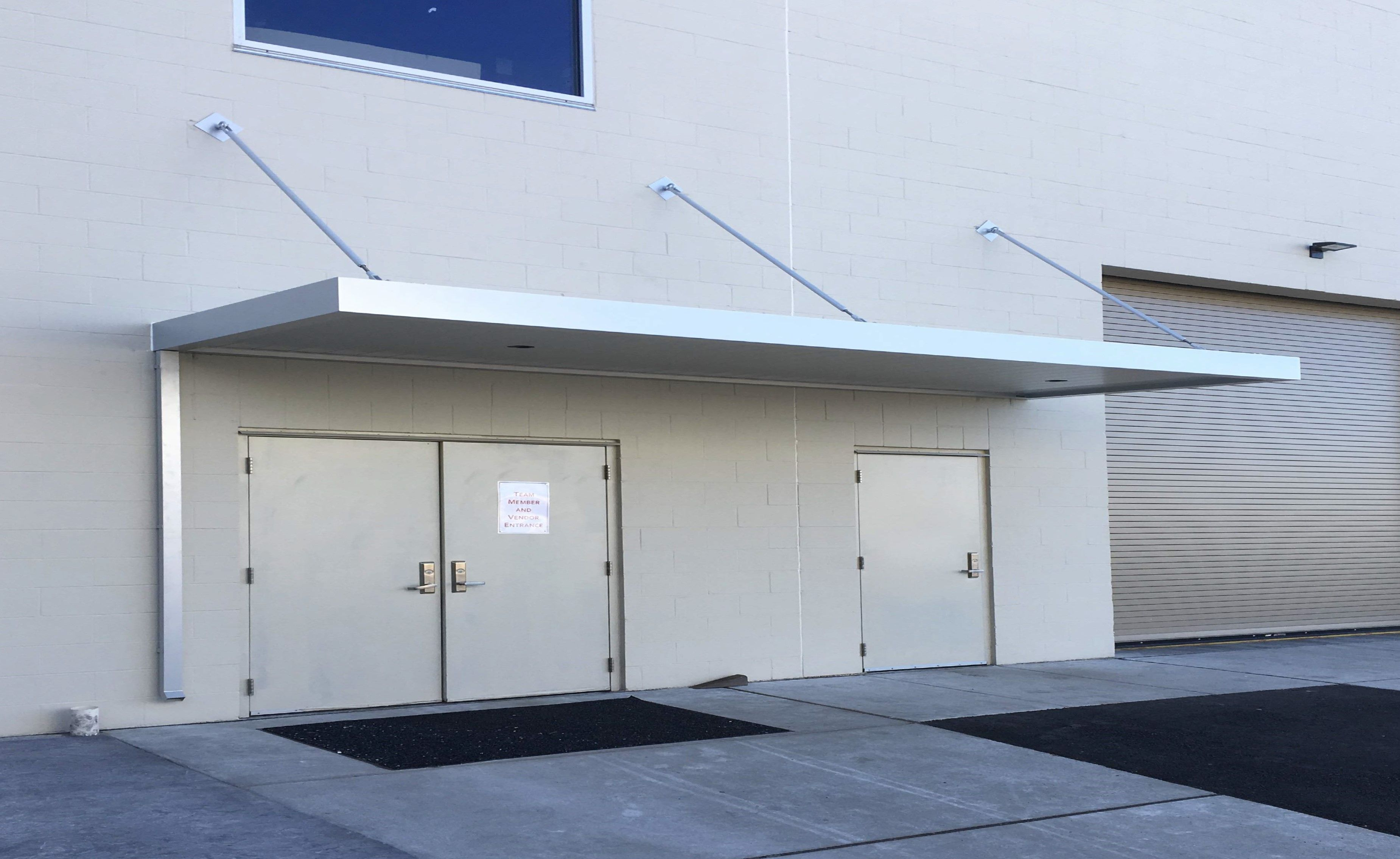 Masa Extrudeck Canopy With Lights And Downspout At Swinomish Casino In Anacortes Wa Architecture Design Metal Madeinam Custom Canopy Awning Canopy Canopy