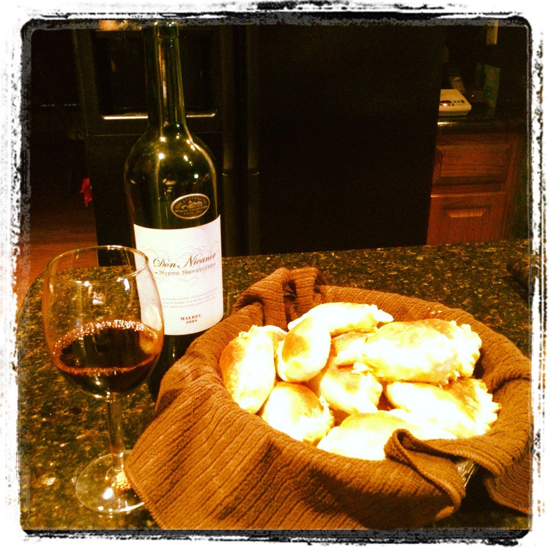 Empanadas Vino Argentino Perfecta Y Rica Cena Comida