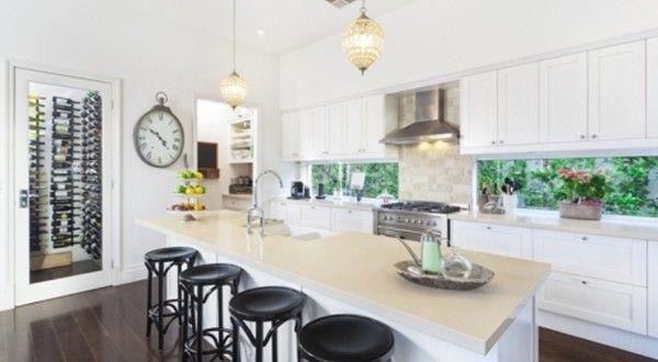 Cucina Ampia, Circondata dalla Natura - Idee Pratiche