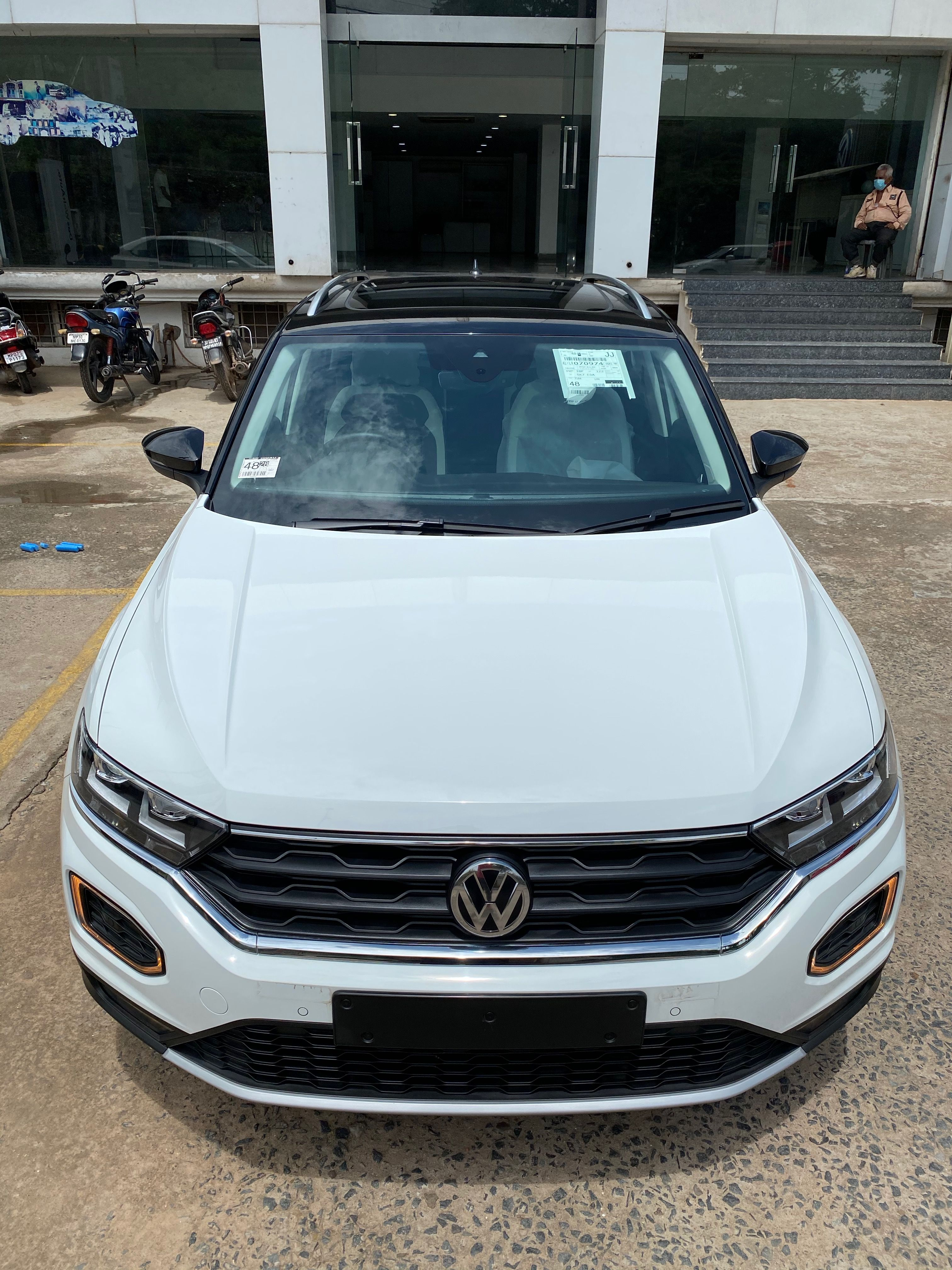 Volkswagen T Roc 2020 23 Lakh Real Life Review In 2020 Volkswagen Crossover Suv Subcompact