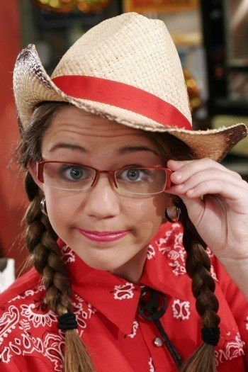 How Many Random Hannah Montana Facts Do You Actually Remember