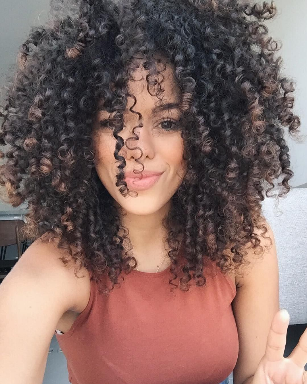 natural curly hairstyle black woman