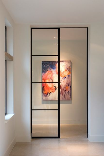Glass walls that communicate and divide spaces