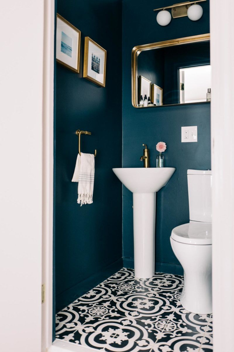 Kleine Toilette Pin By ○° B On D E S I G N S | Small Toilet Room, Blue Powder Rooms, Bathroom Inspiration Decor