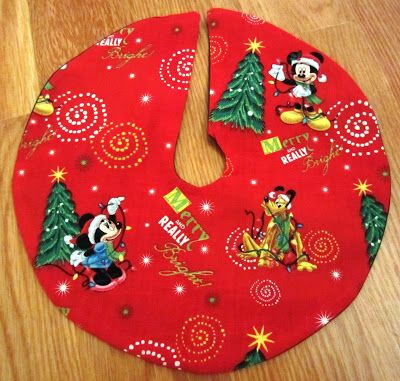 Superior Mickey Mouse And Friends Christmas Tree Skirt