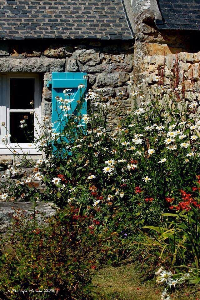 Maison bretonne Lovely Little Cottages Pinterest Beautiful places