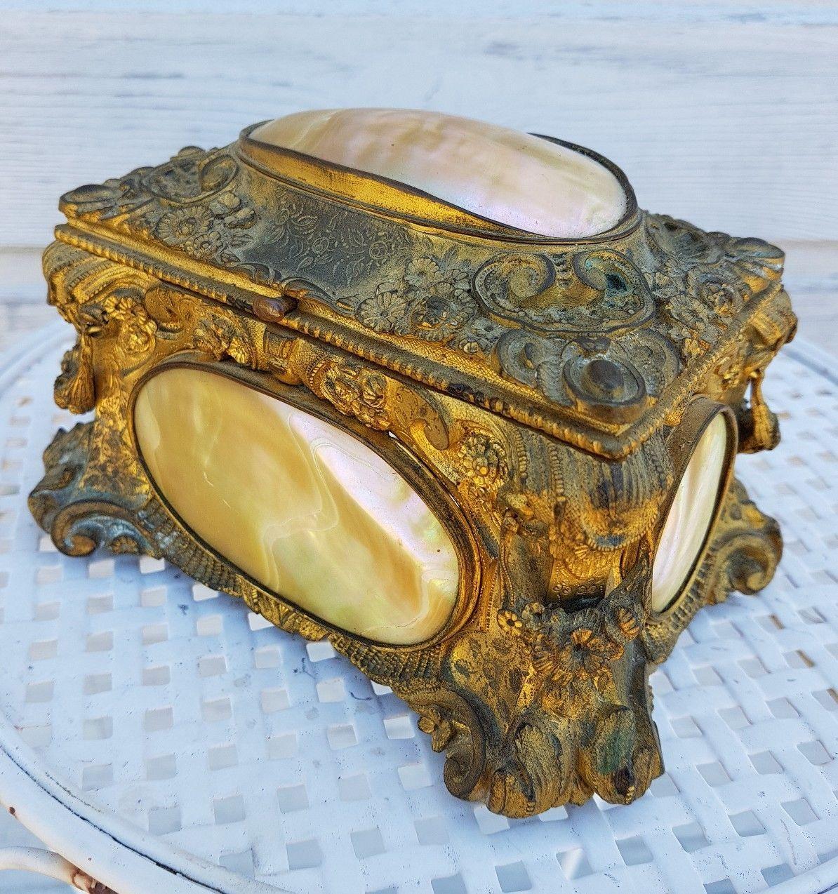 boite a bijoux ancienne en bronse