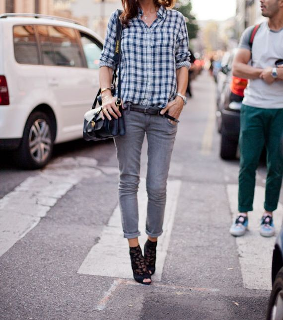 Business casual work outfit: gray jeans, blue gingham shirt, black accents. Definitely for Casual Fridays during Spring/Summer.