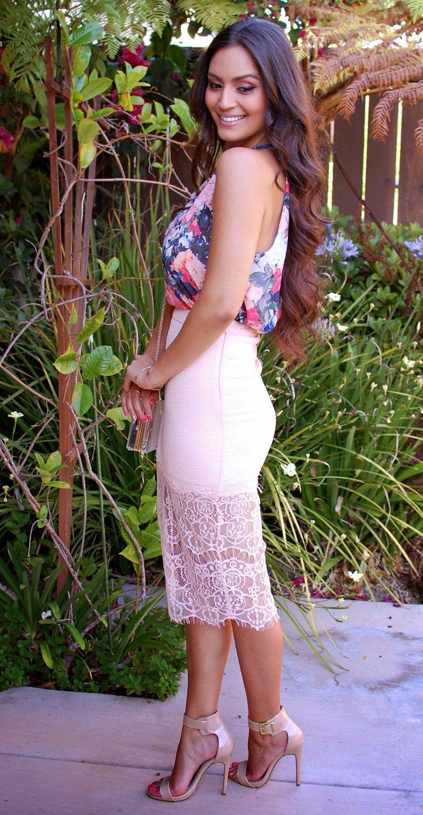 Best dresses to wear to a spring wedding  Vanessa Balli What To Wear To A WeddingPart   Fashion Art