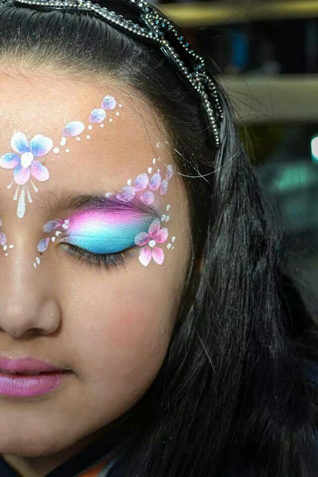 .face painting design idea for girls pretty fairy princess