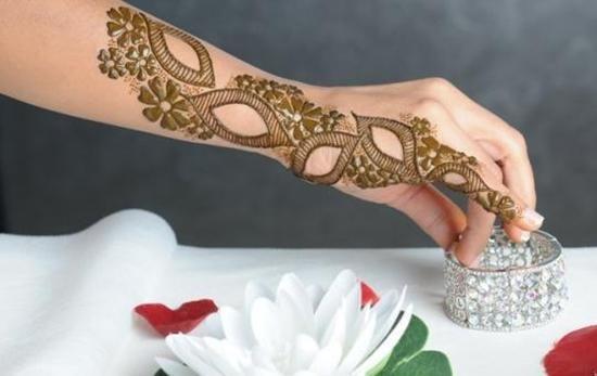 أفكار نقش حناء ناعم للعروس Yebab Com Mehndi Designs For Girls Mehndi Designs For Hands Latest Simple Mehndi Designs