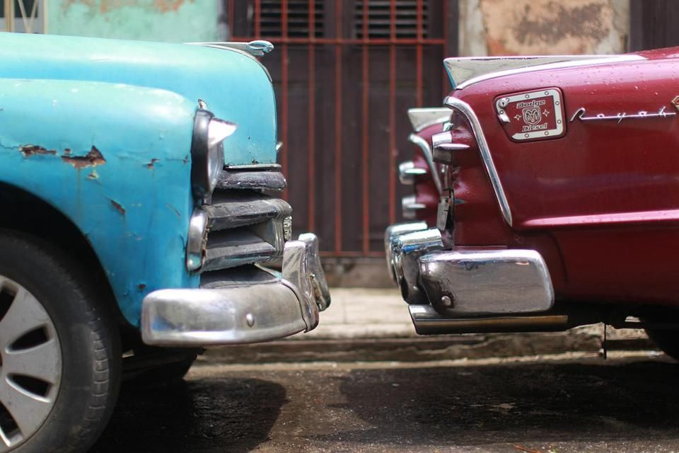 New embassy in Cuba. Same old cars. - The Boston Globe | Car ...