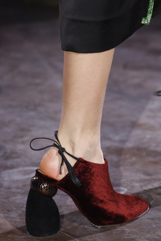Dries Van Noten Fall 2016 Ready-to-Wear Fashion Show ...