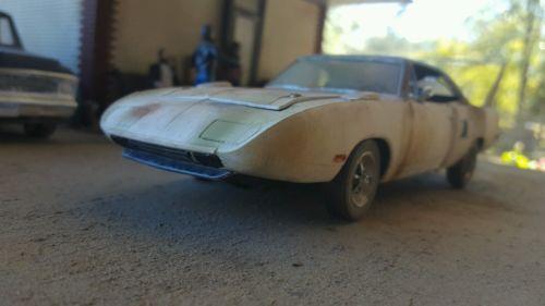 Plymouth car vehicle barn find junker junkyard junk 1/24 1/25 diorama rust mopar https://t.co/VjX2zxwzm7 https://t.co/6no6aw3rZQ