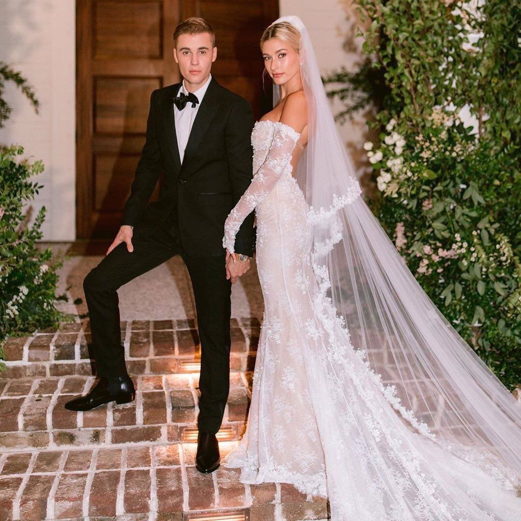 Recent Picture Of Justin And Hailey Bieber At Their Wedding Ceremony Wedding Dresses Hailey Bieber Wedding Bridal Gowns Mermaid [ 1024 x 1024 Pixel ]