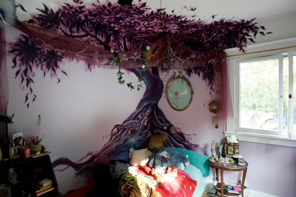 Love The Roots Great Idea For My Halloween Tree Tree Wall