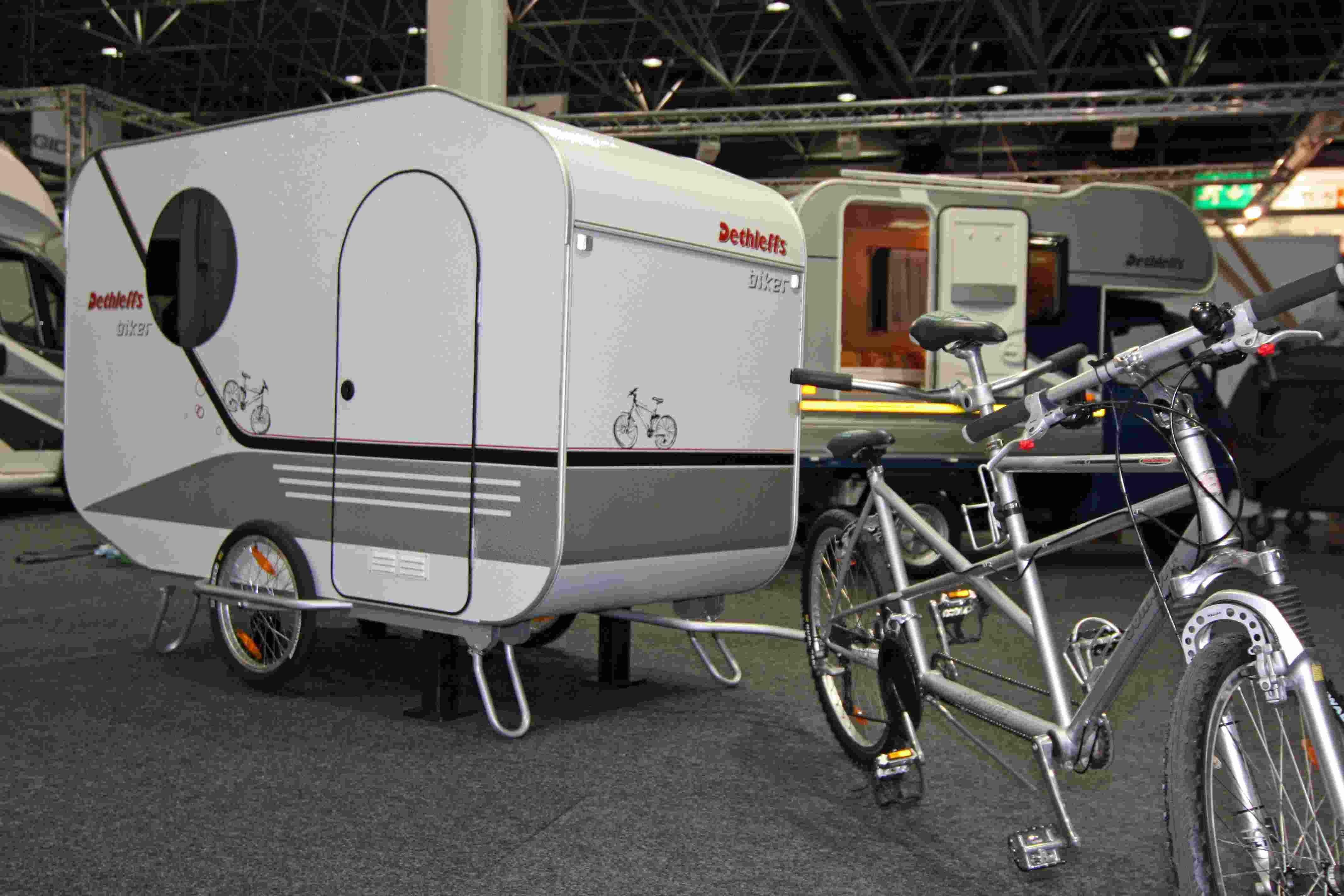 Endlich Ein Wohnwagen Fur Biker Fahrradtest De Das Online Fahrradmagazin Fahrrad Wohnwagen Wohnwagen Fahrrad Lastenanhanger