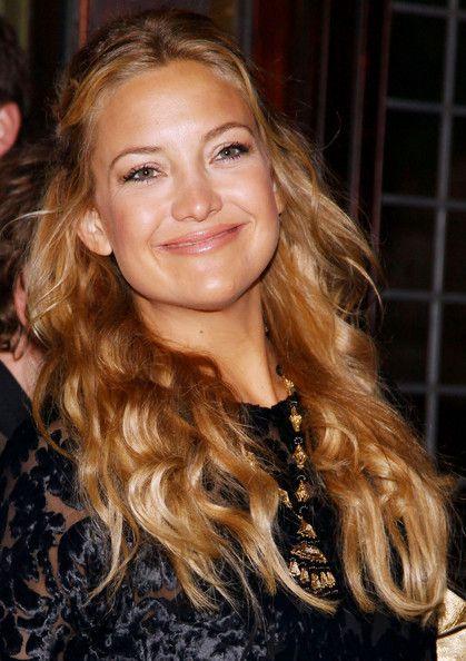 kate hudson curly hair half updo | Kate hudson hair, Kate ...