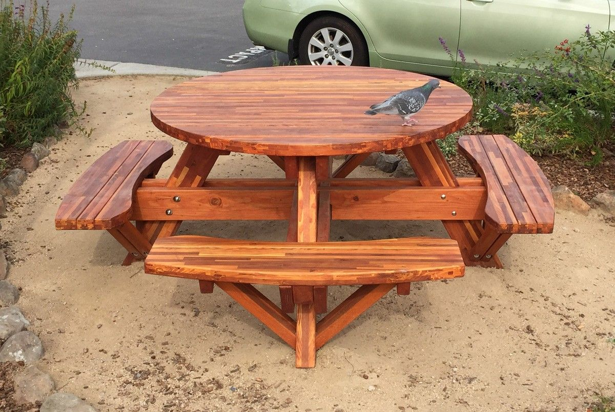 Round Picnic Table (Options: 5u0027 Diameter, Attached Benches, Mosaic Eco