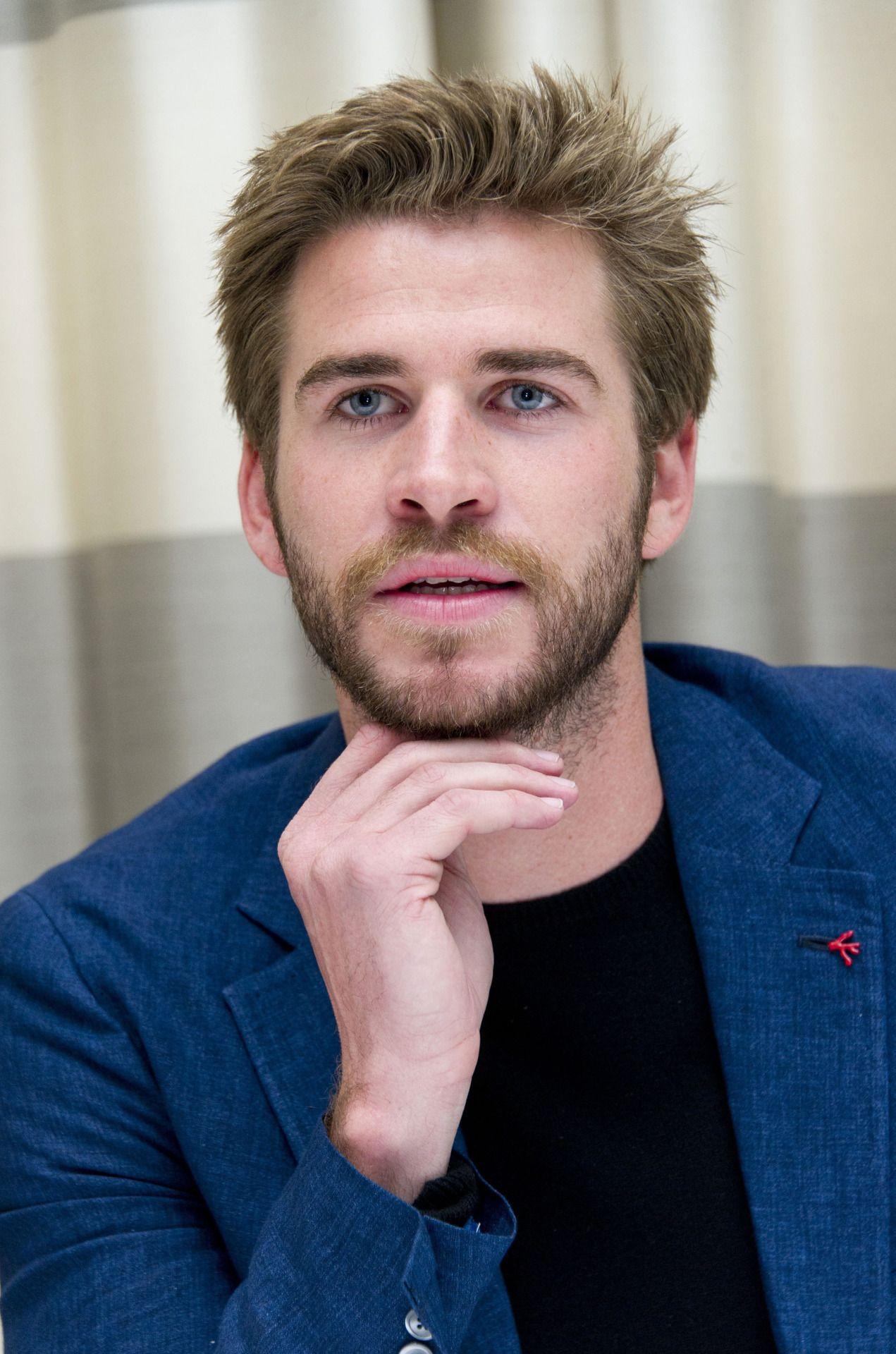 Liam Hemsworth (With images) Liam hemsworth, Hemsworth