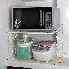 Epingle Par Tiffanydinger10 Sur Kitchen Armoires Cuisine Modernes Etagere Micro Onde Support Micro Onde