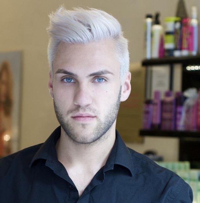 Coloration des cheveux blancs pour un mec