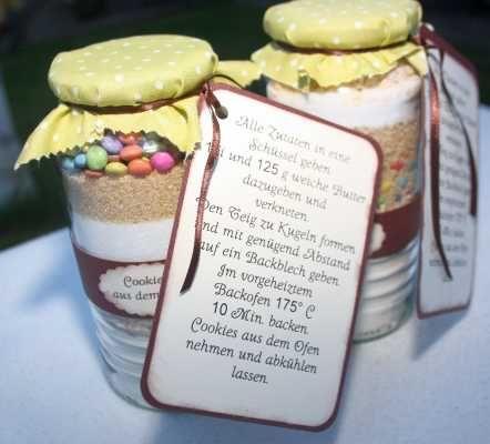 Hallo   und weiter geht es mit Geschenkideen aus der Küche :-)   Wer sagt denn,  dass man nur in der Adventszeit Plätzchen backen darf?   De...