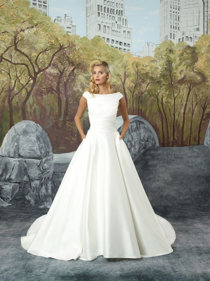 Justin Alexander 8929 (Dundee) Feel timeless with this stunning ...