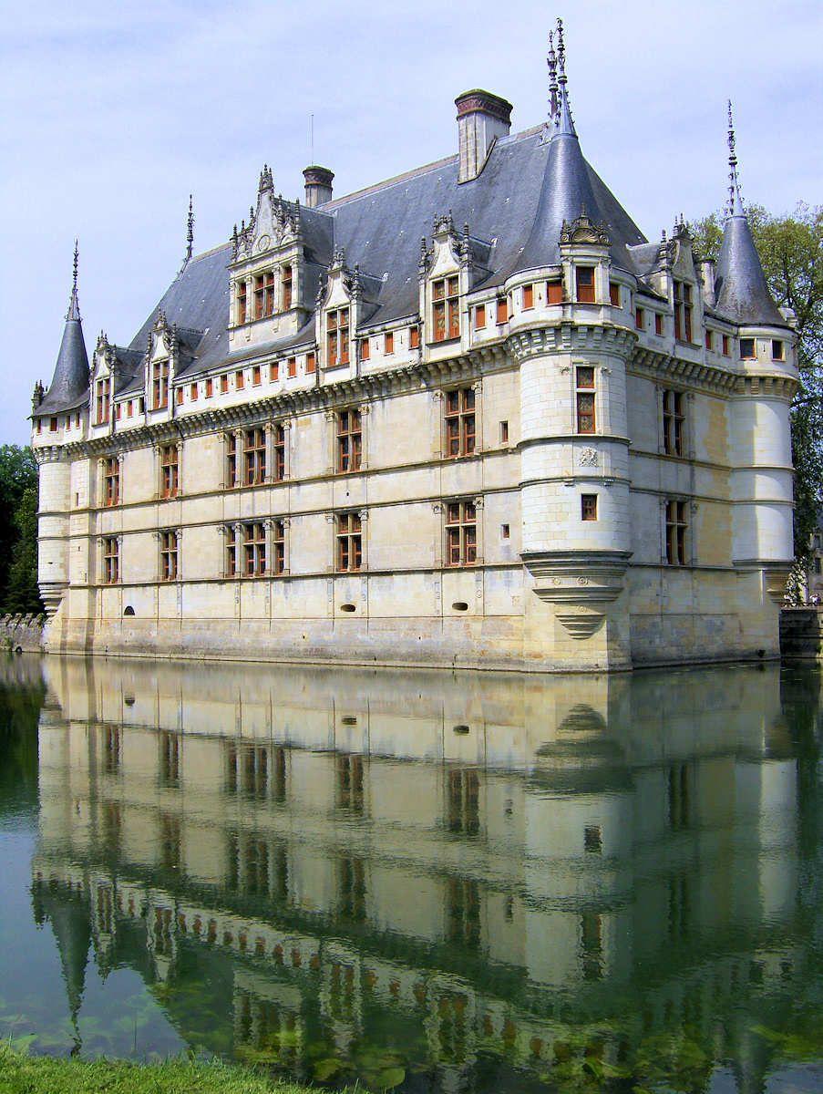 Chateau Azay Le Rideau Is Located In The Town Of Azay Le Rideau