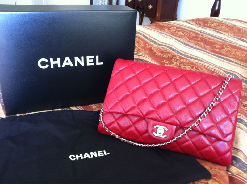 a830ac4efc0a Chanel 12A red clutch with chain | Bags! in 2019 | Bags, Chanel, Red ...