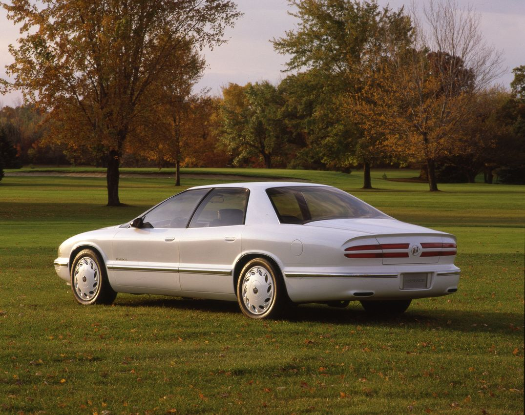 small resolution of buick park avenue essence 1989 white