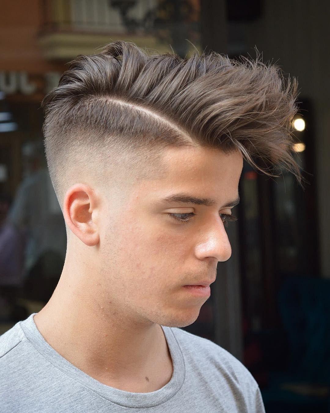 Coupes de cheveux pour hommes avec une frange