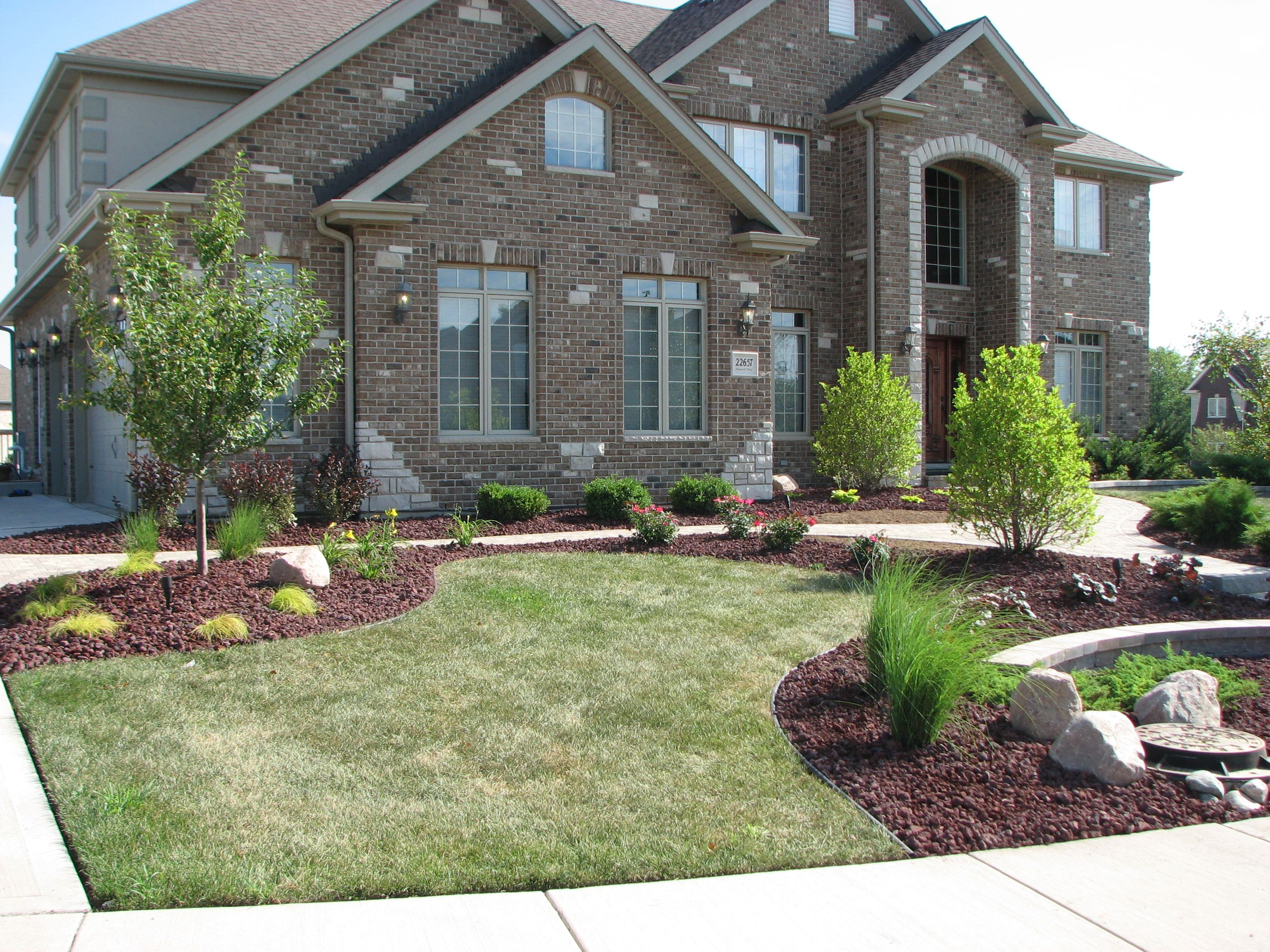 Image gallery home landscaping for New house garden ideas