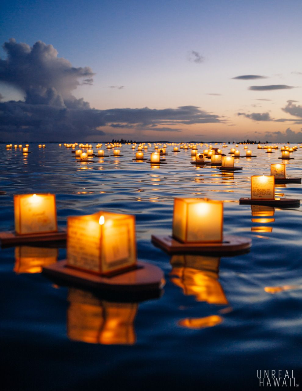 hawaiian floating lantern ceremony every memorial day in oahu to