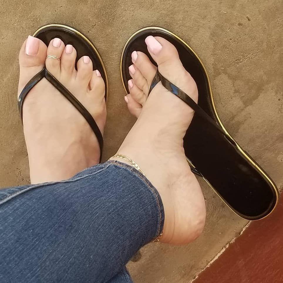Nyomi Banxxx Feet Fetish