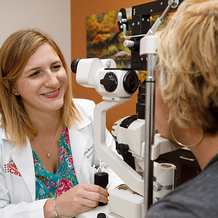 Visionassociates Net Is A Team Of Professional S Eye Doctors In Bowling Green Toledo Our Ophthalmologist And Opt Eye Doctor Eye Care Eye Care Center
