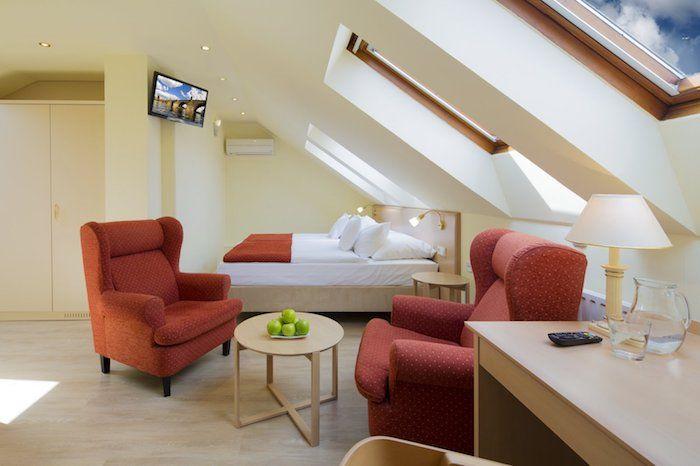 Schlafzimmer Sessel ~ Kleine räume geschickt einrichten schlafzimmer und wohnbereich auf
