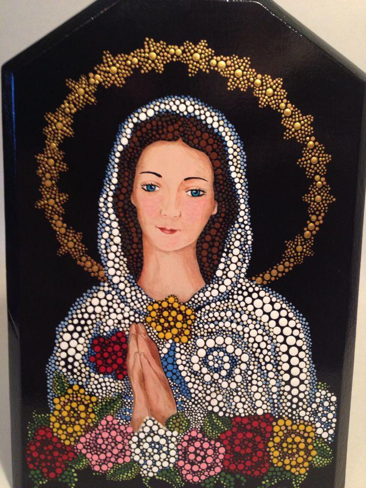 La Virgen De La Rosa Mistica Puntillismo Puntillismo Puntillismo En Madera Rocas Pintadas Con Mandalas