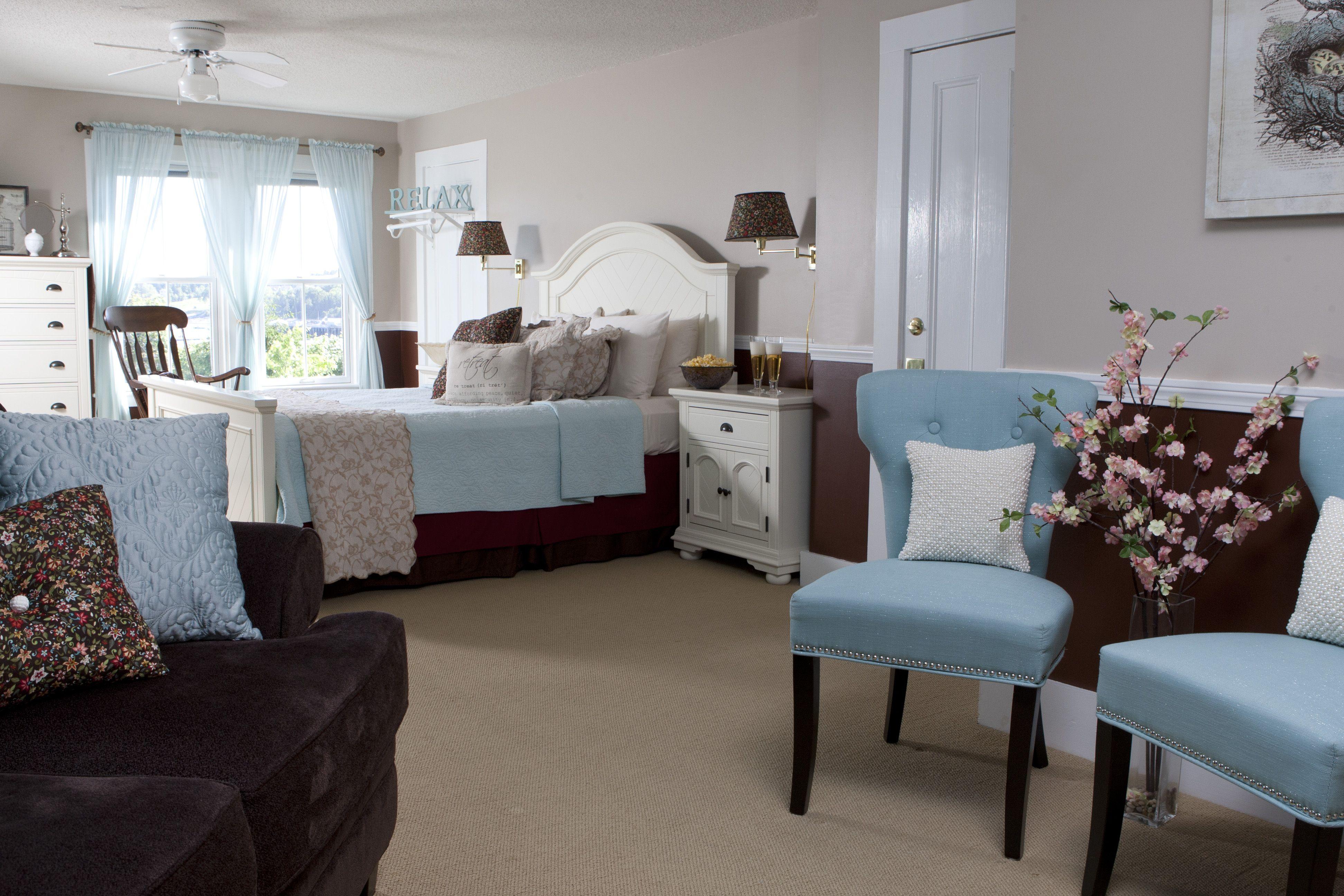 Sarah Ashley Guestroom at Clark Point Inn Bed & Breakfast